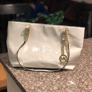 WHITE MICHAEL KORS BAG GOLD CHAIN AUTHENTIC